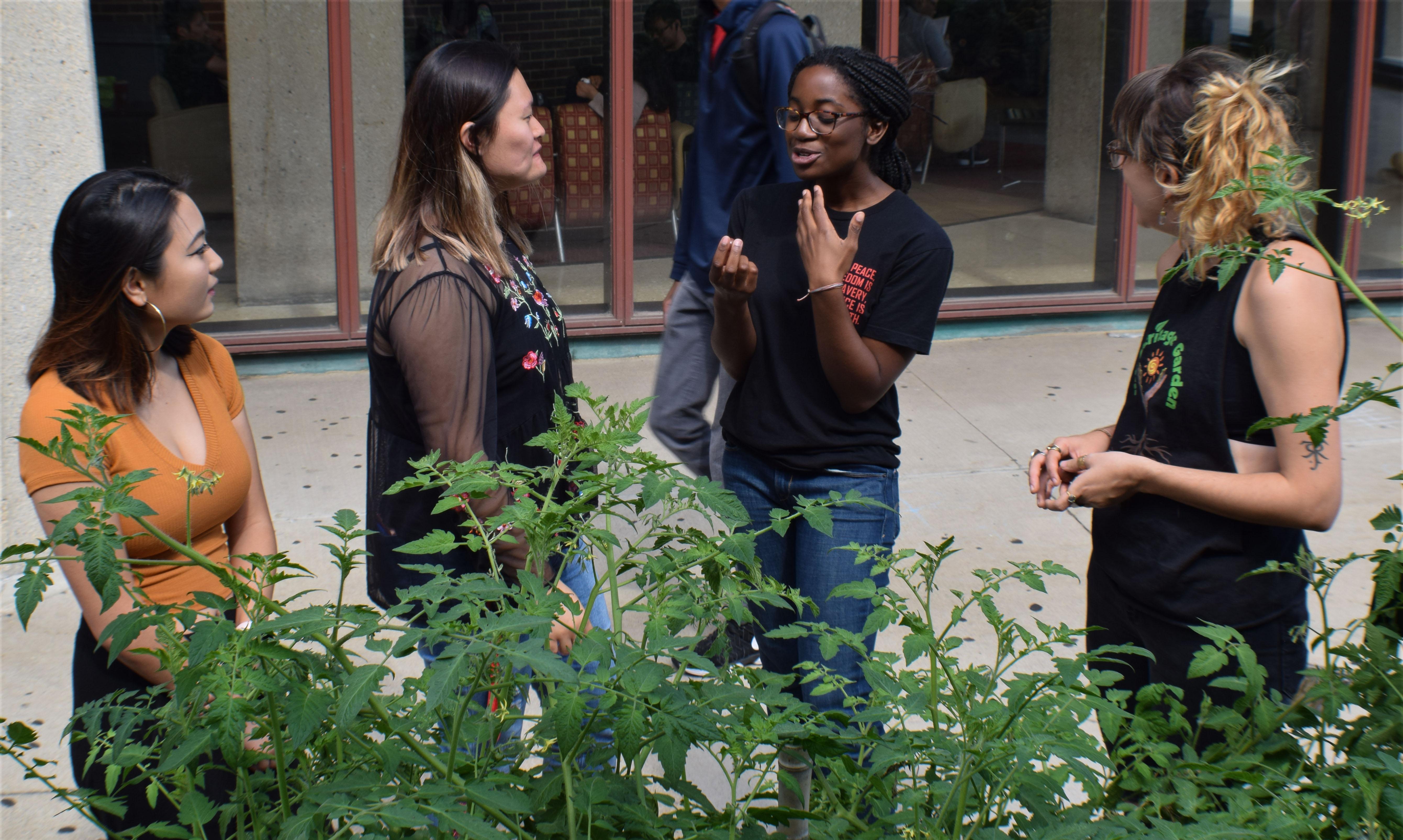 heritage garden intern and volunteers